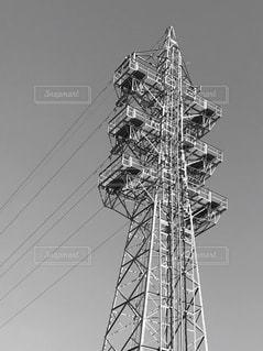 背の高い金属製の塔の写真・画像素材[3018925]