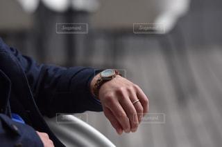 男性の腕時計の写真・画像素材[1428970]