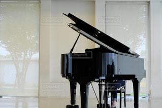 部屋にはピアノの写真・画像素材[1432847]
