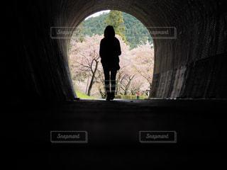 トンネルの向こう側の写真・画像素材[1504615]
