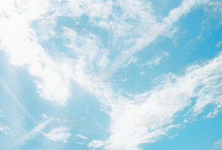 見上げた空の写真・画像素材[2030290]