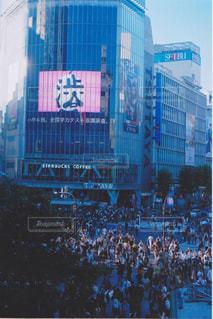 渋谷の交差点とビル。あと人。の写真・画像素材[1430304]