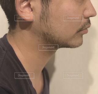 ヒゲの横顔の写真・画像素材[2093637]
