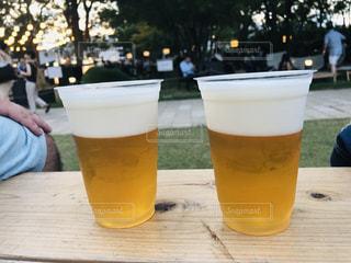 お外でビールの写真・画像素材[2355790]
