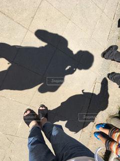 ふたりの影の写真・画像素材[1435257]