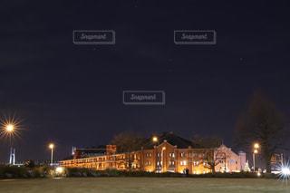 夜の赤レンガ倉庫の写真・画像素材[1436907]