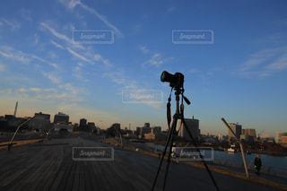 朝の空と一眼レフの写真・画像素材[1447110]