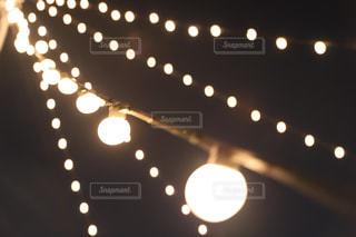 豆電球の光の写真・画像素材[1486734]