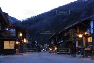 長野県。夕暮れの奈良井宿の写真・画像素材[1720813]