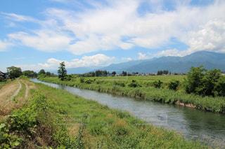 信州安曇野の川の写真・画像素材[2395879]