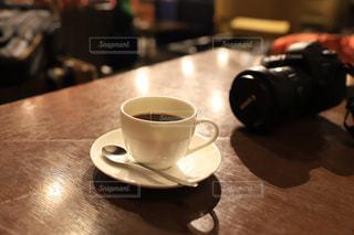 テーブルのコーヒーカップの写真・画像素材[2789453]