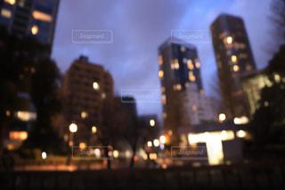 夜の街、玉ボケの写真・画像素材[2855839]