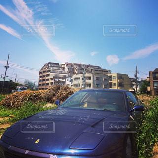 道の端に駐車していた旧車の写真・画像素材[1432141]