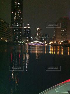 夜の街の景色の写真・画像素材[1433170]