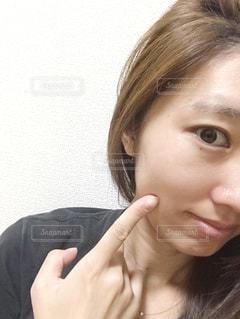 selfie を取る女性の写真・画像素材[1535920]