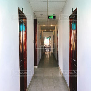 ダナンのホテル廊下の写真・画像素材[1433996]