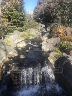 浅草寺にある流れでる水の写真・画像素材[1970495]
