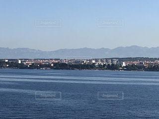 クロアチア フェリー  ザダル フェリー プルコ ウグリャン島  海 空の写真・画像素材[1440210]