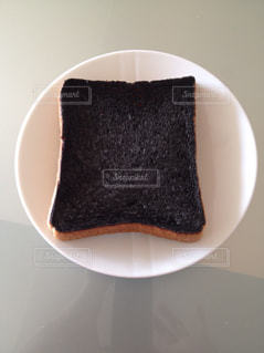 食パン焦げたの写真・画像素材[1438792]