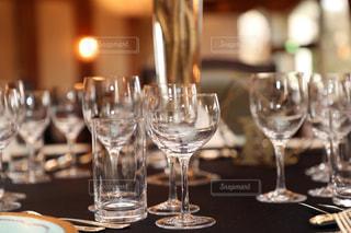 ワイングラス沢山のテーブルの写真・画像素材[1836318]