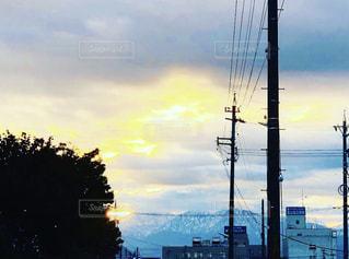 秋の朝日の立山連峰の写真・画像素材[1604324]