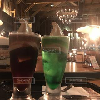クリームソーダとコーヒーフロートの写真・画像素材[1441173]