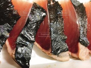 鰹のタタキの写真・画像素材[1479750]
