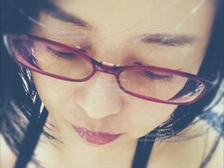 眼鏡の女性の写真・画像素材[1455483]