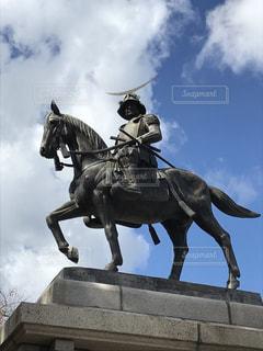馬に乗る男の像の写真・画像素材[1520953]