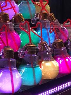 カラフルな電球ソーダの写真・画像素材[1452226]