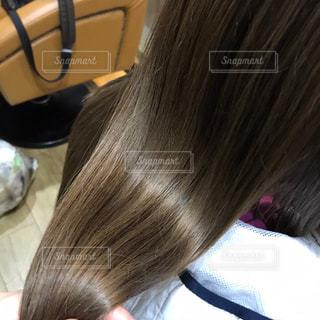 ハイライト入りの髪の毛の写真・画像素材[3142767]