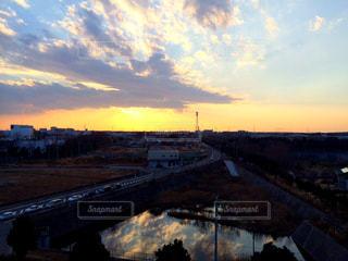 夕暮れ時の都市の景色の写真・画像素材[1456269]