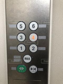 点字のエレベーターの写真・画像素材[2315320]