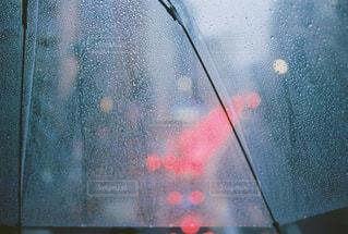 傘越しの渋滞の写真・画像素材[1449564]