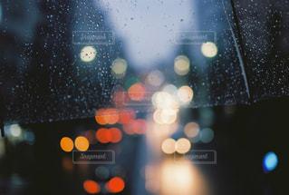 雨の日の歩道橋からの日常の写真・画像素材[1449570]