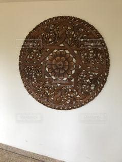リゾートホテルの壁のオブジェの写真・画像素材[1464820]