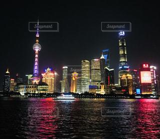 上海・外灘の夜景の写真・画像素材[1454799]