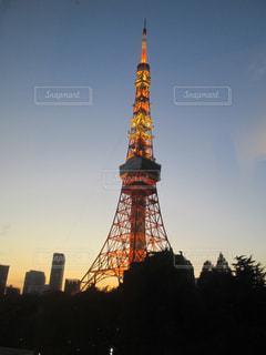 真近の東京タワーの写真・画像素材[1453895]