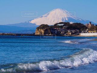 波と富士山の写真・画像素材[1453295]
