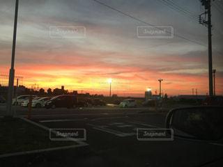 街に沈む夕日の写真・画像素材[1452230]