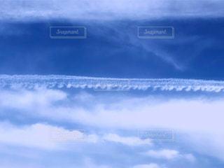 空には雲のグループの写真・画像素材[1561133]