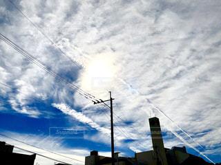 空には雲のグループの写真・画像素材[1589521]