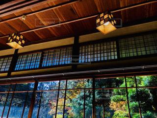 日本家屋の窓の写真・画像素材[1638438]