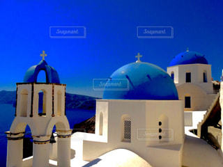 サントリーニ青い屋根の教会の写真・画像素材[1464565]