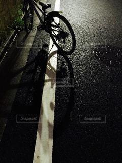 夜の自転車の写真・画像素材[1467669]