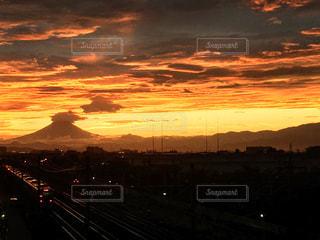 夕暮れ時の富士の写真・画像素材[1455902]