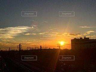 沈む夕日の写真・画像素材[1463246]