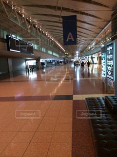 夜の空港の写真・画像素材[1456731]