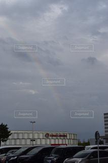 雨上がりの虹の写真・画像素材[1457695]