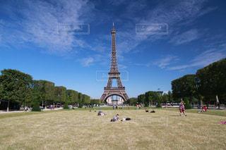 フランスパリのエッフェル塔の写真・画像素材[1490539]